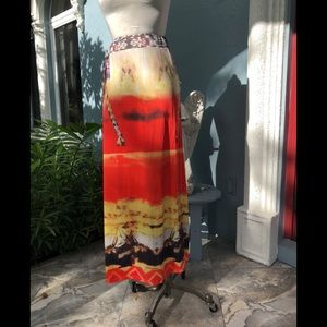 Dresses & Skirts - Artsy Graphic Maxi Skirt NWOT. Size M